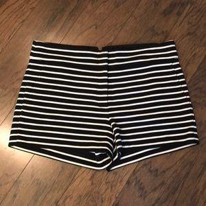 BCBG MAXAZRIA Pia Black/White striped shorts sz M
